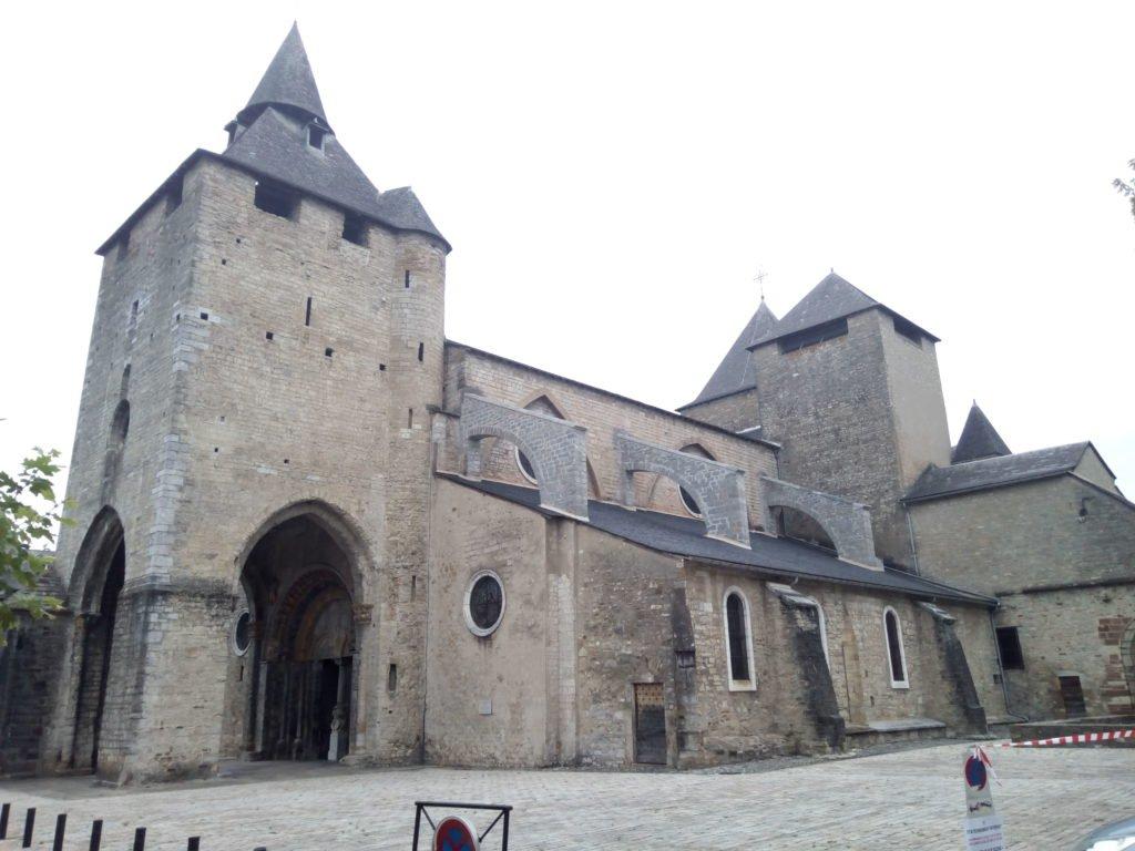 """La catedral Sainte-Marie, clasificada """"Patrimonio Mundial de la Humanidad"""" por la UNESCO. Oloron Sainte Marie"""