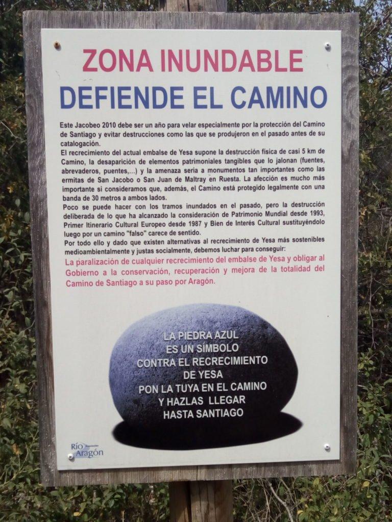 """Se coloca la primera """"piedra azul"""" para la defensa del Camino de Santiago a su paso por Yesa"""