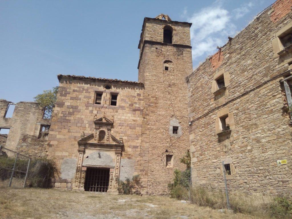 Vistas de Ruesta. En 1988 la Confederación Hidrográfica del Ebro cedió el pueblo y parte del término a CGT