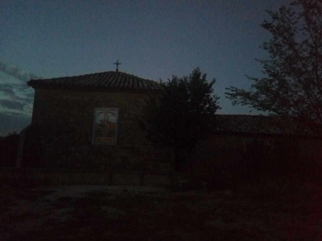 Ermita a la salida de Torres del Río