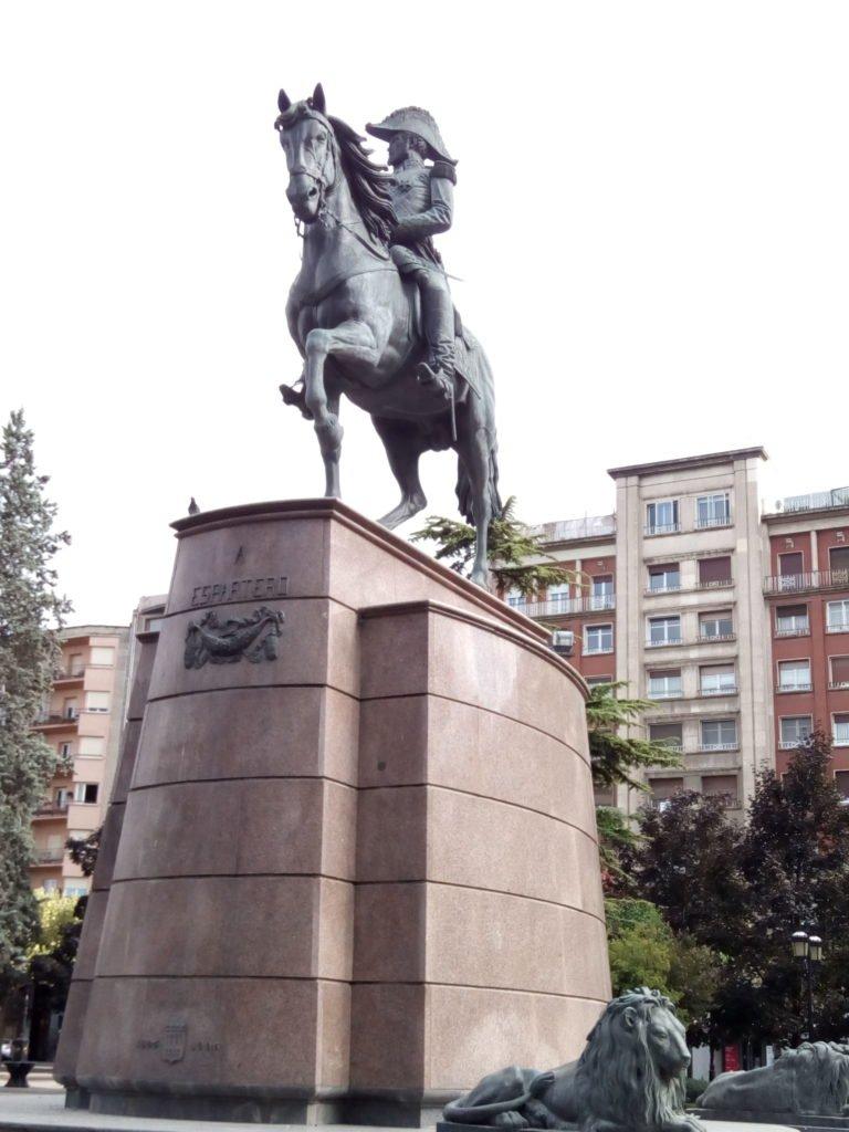 Espartero y su caballo, desde otro ángulo. Logroño