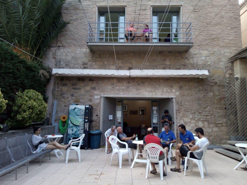 El patio del Albergue de Logroño
