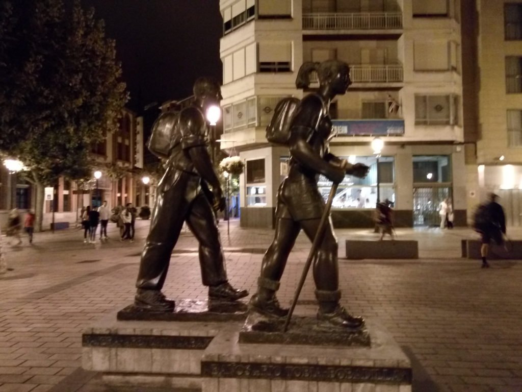 Logroño, monumento al peregrino (y a la peregrina)