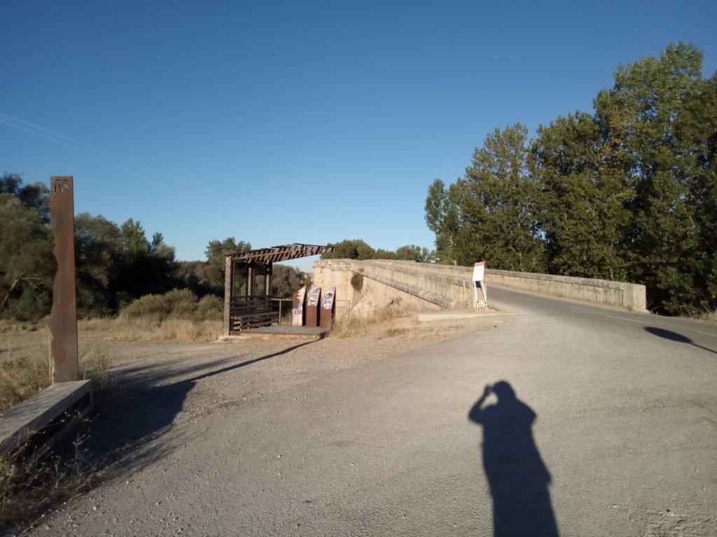 Puente sobre el Pisuerga. Frontera entre Burgos y Palencia