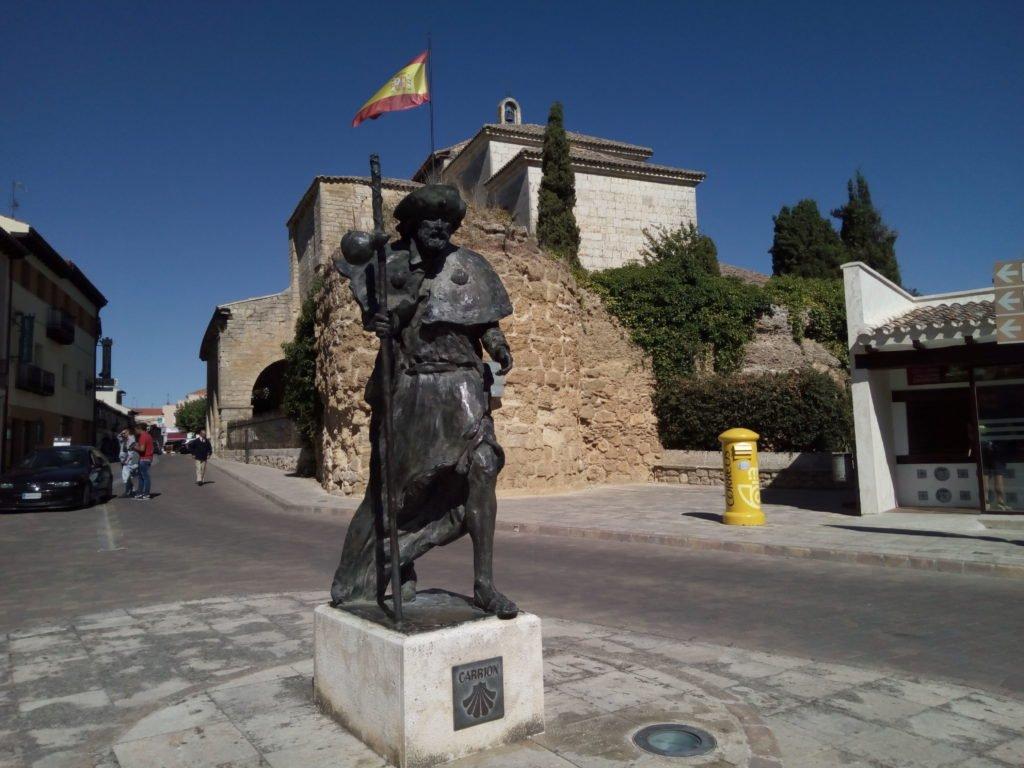 Escultura ''Santiago peregrino'', Carrión de los Condes