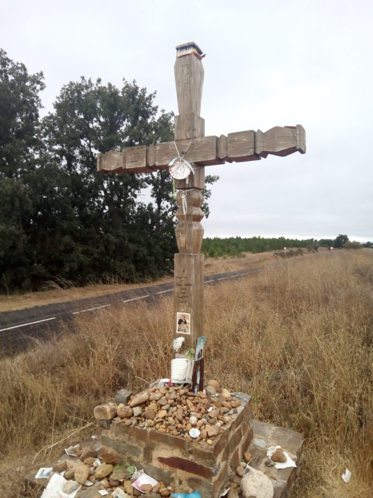 Una Cruz, en memoria de algún peregrino que se quedó por aquí