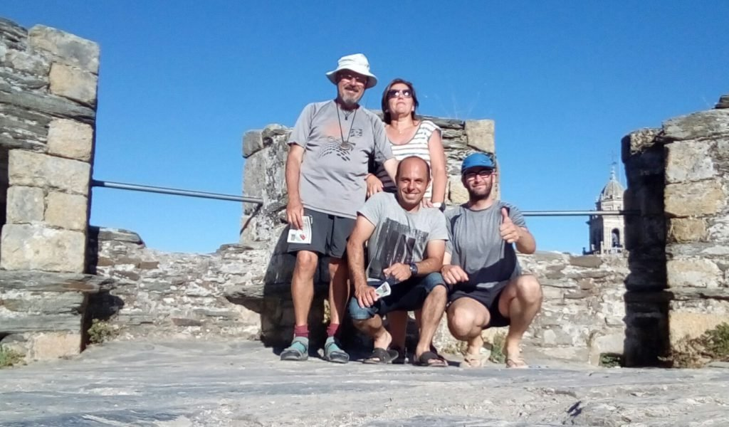 Con Carmen, Jesús y Adrián visitando el Castillo de Ponferrada