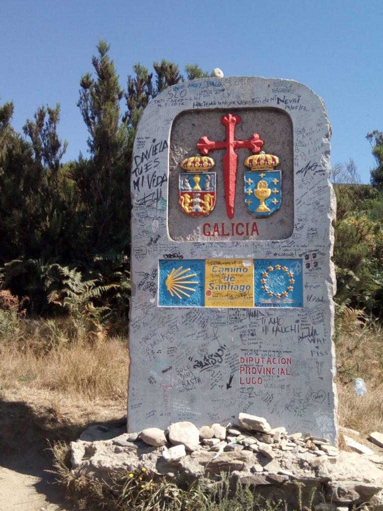 Hito de la entrada a Galicia