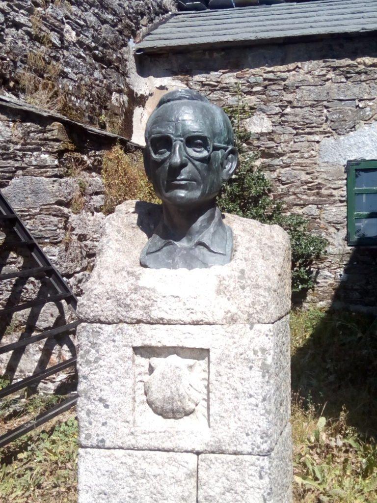Elías Valiña Sampedro, conocido por O cura do Cebreiro. O Cebreiro