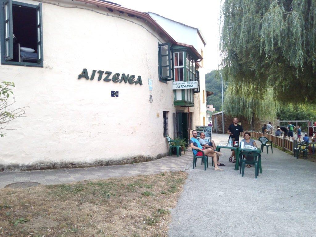 El albergue de hoy, Triacastela