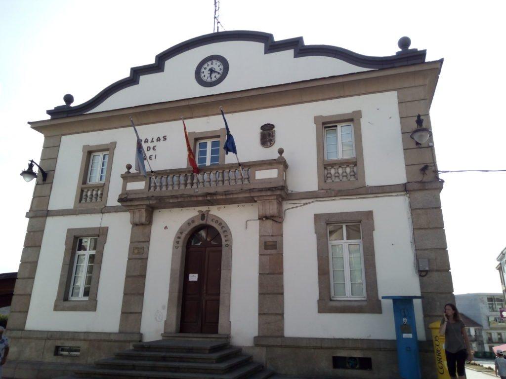 Fachada del ayuntamiento de Palas de Rei