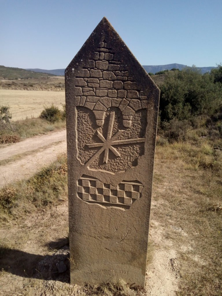 Hito en la divisoria entre Aragón y Navarra