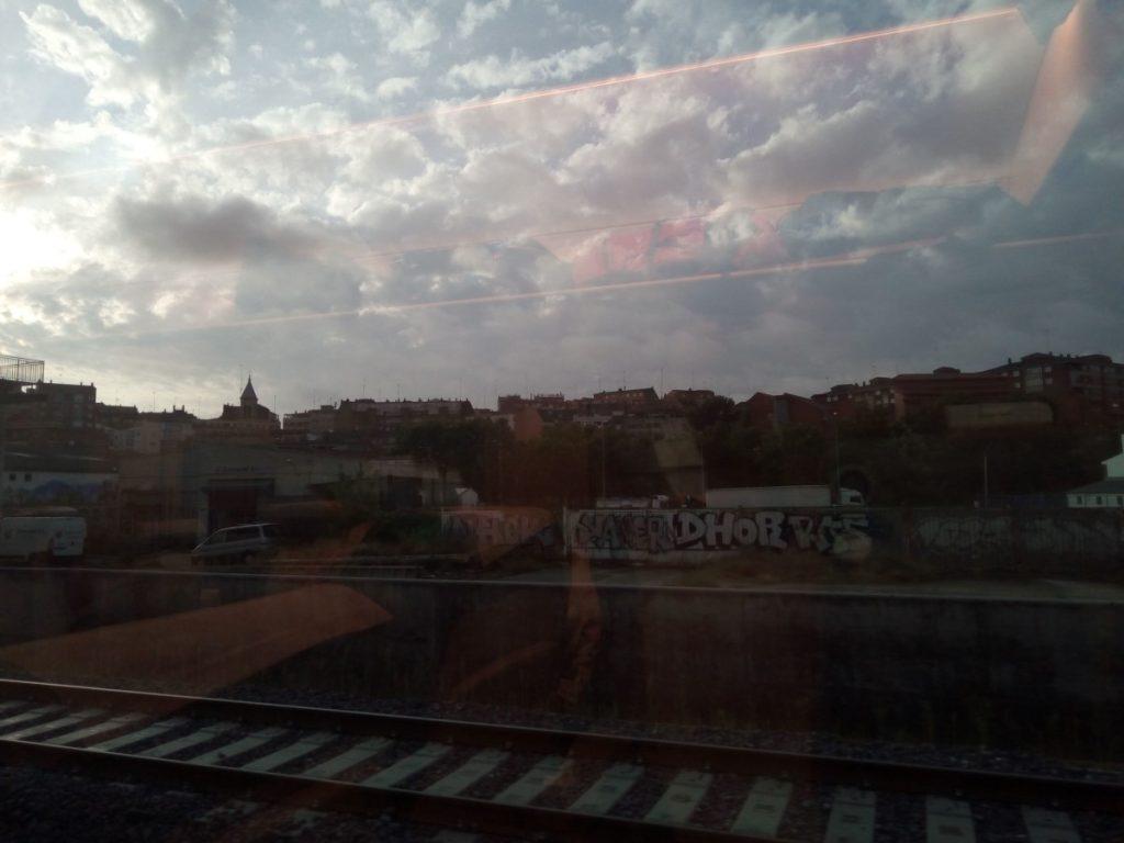 Desde el tren, el paisaje vuela