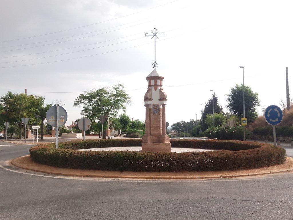 Rotonda a la entrada de Castilblanco de los Arroyos