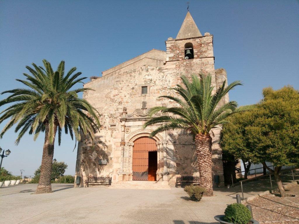 Iglesia parroquial de Aljucén