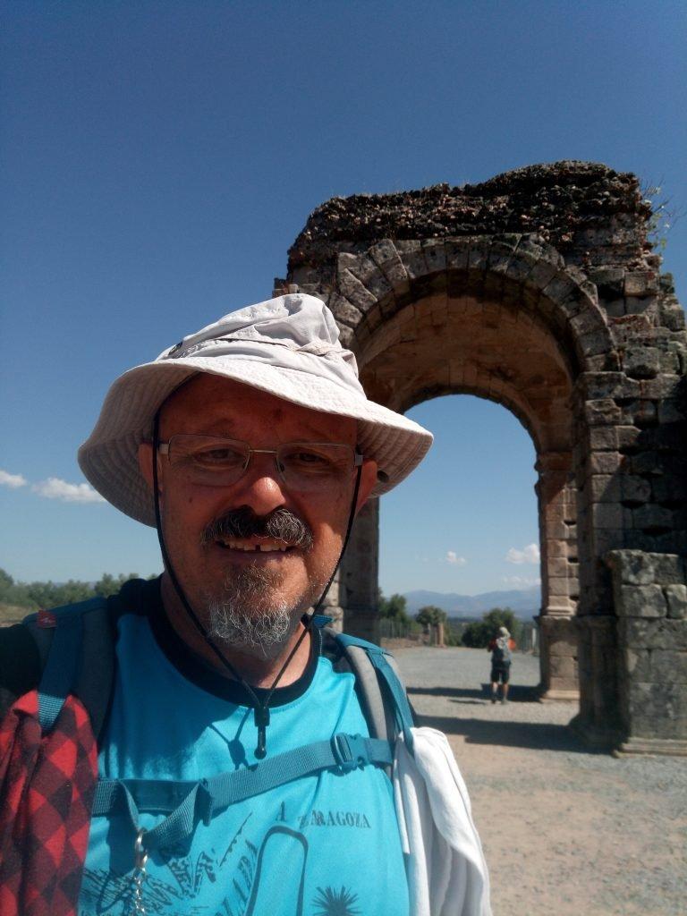 En el arco de Cáparra
