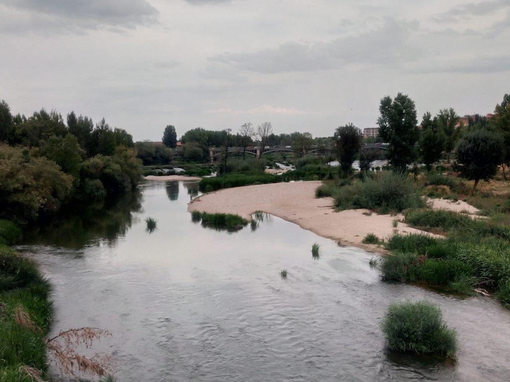 Río Tormes, a su paso por Salamanca