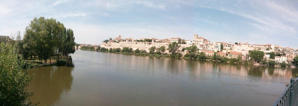 El río Duero a su paso por Zamora