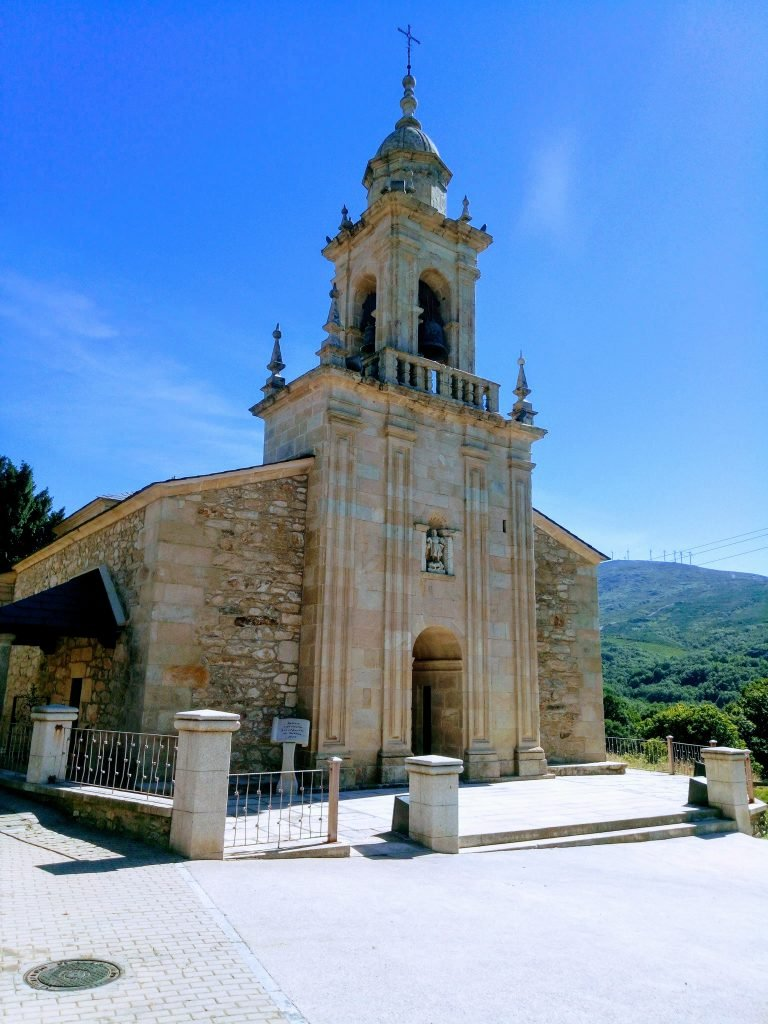 Lubián. Iglesia de San Mamés