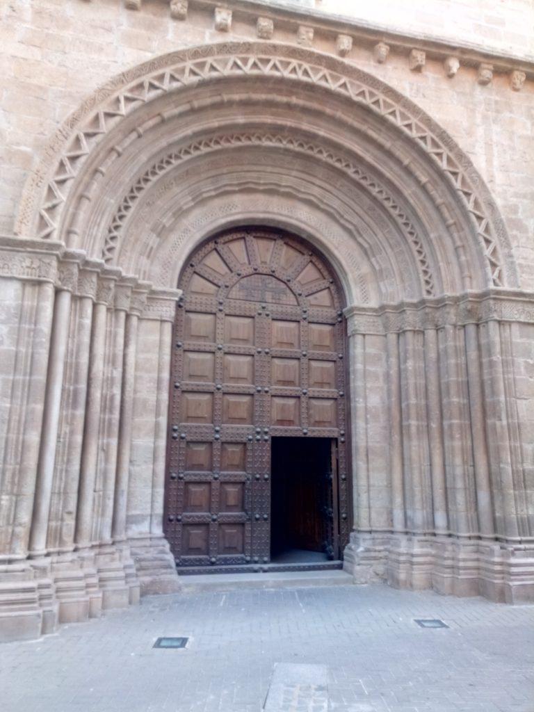 Portico de la iglesia, ¡chulisimo! Gandesa