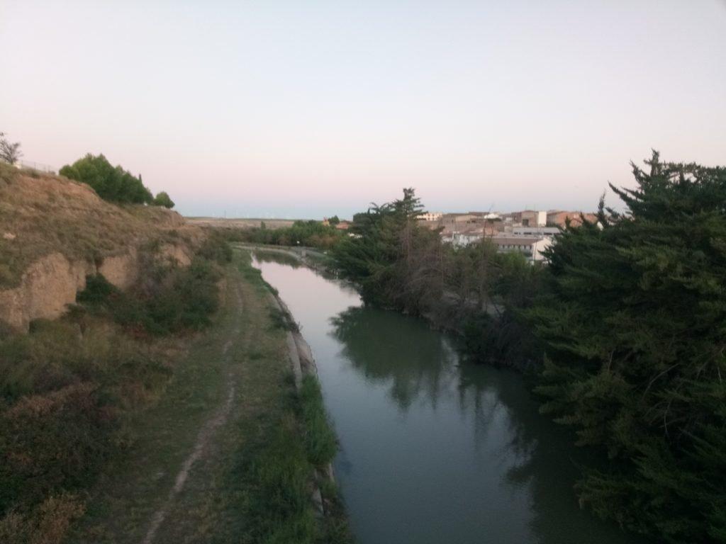 El Canal Imperial de Aragón, a su paso por Gallur.