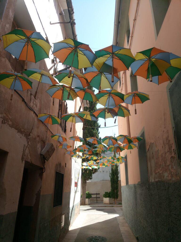 La calle de los paraguas